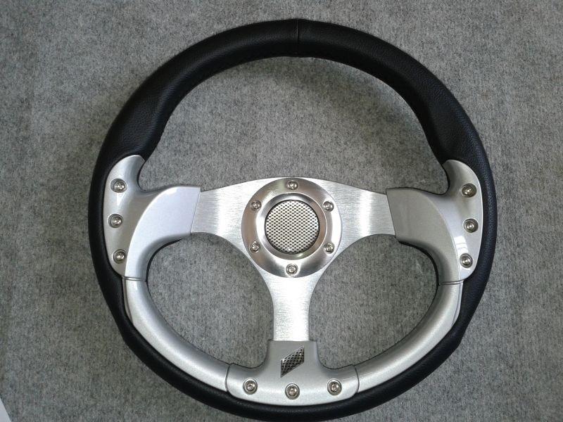 Sportovní volant REV